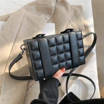 High sense bag niche design 2021 new trendy net red versatile messenger bag black box bag women's small square bag