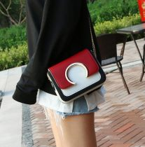 Bag The single shoulder bag PU Small square bag Other / other Off white green wine red light brown brand new Japan and South Korea Small leisure time hard Magnetic buckle no Geometric pattern Single root One shoulder cross nothing youth Horizontal square Sewing Chain handle polyester fiber