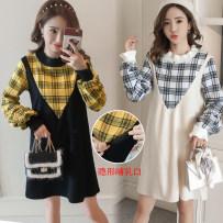 Dress Other / other Black Beige M L XL XXL Korean version Long sleeves Medium length autumn Crew neck lattice Cotton material 0000