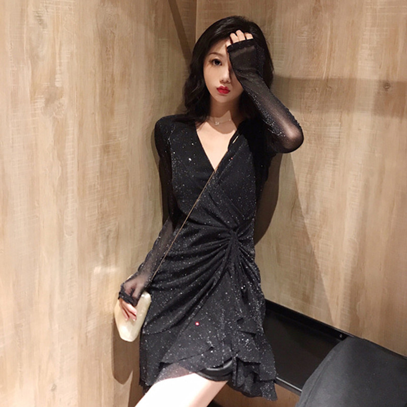 Dress Autumn of 2018 Red and black Average size (160 / 84A) Short skirt singleton  Long sleeves commute V-neck Solid color routine 18-24 years old
