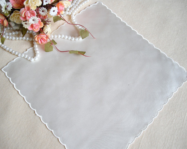 Handkerchief white Yumei SP02 26*26 cm Solid color 100% Silk Wave edge