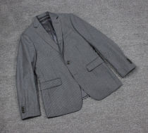 man 's suit Business gentleman grey Others routine 36S 38S 38R 40S 40R 42S 42R 44R 46R 48R Self cultivation Double breasted Other leisure Back middle slit Long sleeves Four seasons routine Flat lapel wool More than 95%