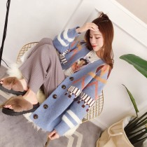 sweater Spring 2018 Average code Light blue light khaki Long sleeve Conventional models Cardigan Conventional models Single V collar conventional Straight Commuting QM801147 shape Conventional wool Warm and heat Qi Mi 18-24 years old Pure electricity supplier (only online sales)
