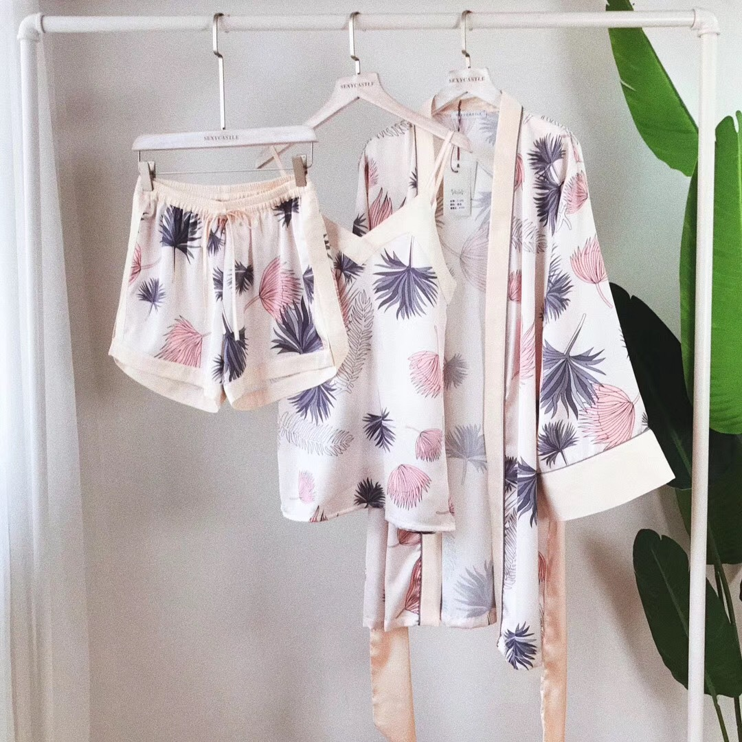 Pajamas / housewear set female Other / other One size fits all - 80 to 120 Jin is recommended Champagne print grey print Polyester (polyester) camisole Sweet shorts 3 pieces silk