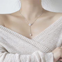 Necklace Silver ornaments 101-200 yuan Rhombic grid Pearl Flower Necklace brand new Japan and South Korea female goods in stock yes Fresh out of the oven 21cm (inclusive) - 50cm (inclusive) no Below 10 cm other silver Plants and flowers Water wave chain XL0098 925 Silver
