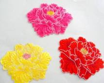 Cloth stickers 1 rose red, 1 yellow, 1 red