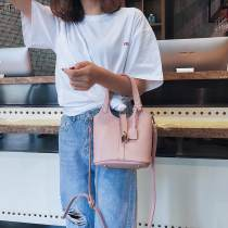 Bag The single shoulder bag PU Bucket bag Duo weiqi Pink brown white red Khaki blue black brand new European and American fashion Small leisure time no