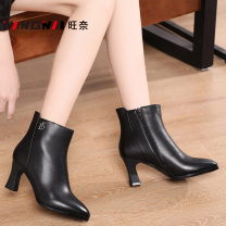 Boots 34,35,36,37,38,39,40 black top layer leather Wangnai High heel (5-8cm) Thick heel top layer leather Short tube Sharp point Artificial short plush Artificial short plush Winter 2020 Side zipper Europe and America rubber Solid color Fashion boots Adhesive shoes Artificial short plush winter