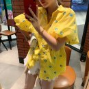 shirt Yellow, green Average size Autumn 2020 other 71% (inclusive) - 80% (inclusive) Short sleeve street Short style (40cm < length ≤ 50cm) Crew neck Socket puff sleeve Solid color