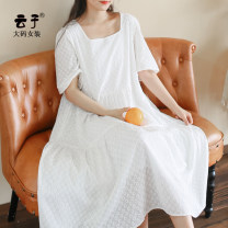 Women's large Summer 2020 Berlin girl XL (recommended 130-160 kg) 2XL (recommended 160-190 kg) 3XL (recommended 190-220 kg) Fake two pieces commute easy thin Socket Short sleeve Solid color Retro square neck Medium length cotton Three dimensional cutting routine Yunzi Embroidery 96% and above
