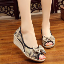 Sandals 34,35,36,37,38,39,40 cloth Other / other Fish mouth Slope heel High heel (5-8cm) Summer of 2018 Trochanter ethnic style Hand painted Adhesive shoes Youth (18-40 years old) TPR (tendon) daily Bag heel Color matching Low Gang Hollow cloth cloth Flat buckle