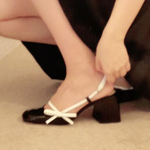 Sandals 35,36,37,38,39,40,34 Black, white, black rubber sole, white rubber sole top layer leather Other / other Baotou Thick heel High heel (5-8cm) Spring 2021 Flat buckle Korean version Solid color Adhesive shoes Youth (18-40 years old) genuine leather daily Back space Low Gang Lateral space
