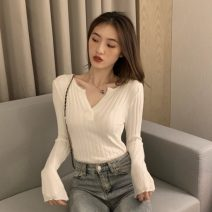 Wool knitwear Autumn 2020 Average size Khaki, gray, white, black Long sleeves singleton  Socket other 30% and below Regular routine commute Self cultivation V-neck routine Solid color Socket Korean version FWL7274 18-24 years old