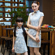 cheongsam Flag platinum There are models in the real shooting summer Broken flowers Cotton blended fabric 12 months, 18 months, 2 years old, 3 years old, 4 years old, 5 years old, 6 years old, 7 years old, 8 years old, 9 years old, 10 years old, 11 years old, 12 years old, 13 years old, 14 years old