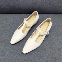 Low top shoes 32,33,34,35,36,37,38,39,40,41 Starfish home Black, beige Sharp point top layer leather Square heel Low heel (1-3cm) Shallow mouth Pig skin Spring 2021 T-shaped buckle leisure time Adhesive shoes Youth (18-40 years old), student Solid color rubber Mary Jane shoes Pig skin daily Napa
