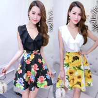 Dress Summer of 2019 White + white yellow flowers, white + white leaves, black + black yellow flowers, black + Black lotus flowers S,M,L,XL Short skirt singleton  Sleeveless commute V-neck High waist Decor Socket other other Others Type A Korean version 51% (inclusive) - 70% (inclusive) brocade