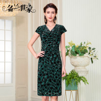 Dress Spring 2021 Brown 12 fresh green 13 dark green 11 M L XL 2XL 3XL Middle-skirt singleton  Short sleeve commute V-neck middle-waisted Socket Pencil skirt Others 40-49 years old Type X Famous orchid family Korean version Fold three-dimensional decorative asymmetric nail bead zipper MQZ02A7029