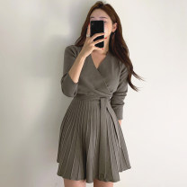 Dress Autumn 2020 Dark green, black Average size singleton  Long sleeves commute V-neck High waist Solid color A-line skirt routine 18-24 years old Other / other Korean version Bandage 30% and below