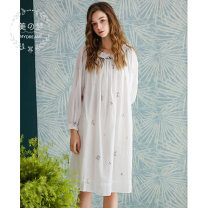Nightdress Sweet dream white 155(S),160(M),165(L),170(XL) Sweet Long sleeves Leisure home Middle-skirt summer Broken flowers youth Crew neck cotton lace More than 95% Woven cotton MC842944A