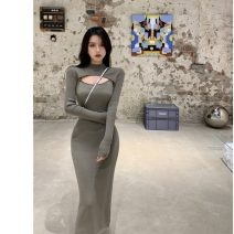 Dress Winter 2020 Grey top, black and white top, grey skirt, white skirt Average size commute High waist 18-24 years old Korean version 51% (inclusive) - 70% (inclusive) polyester fiber