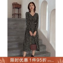 Dress Autumn 2020 Y fanjinghua S M L Mid length dress singleton  Long sleeves commute V-neck High waist Broken flowers zipper A-line skirt puff sleeve Others 25-29 years old Type A Ancient times Retro Folds, zippers M9002Q10418 More than 95% polyester fiber Polyester 100%