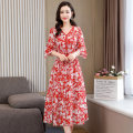 Dress Summer 2021 Red and green flowers M L XL XXL Mid length dress Two piece set Short sleeve commute V-neck middle-waisted Broken flowers Socket Big swing Lotus leaf sleeve Others 25-29 years old Type X Meng Jia Xian Yi lady Pleated printing MJQY21X-0319-10 More than 95% Chiffon polyester fiber