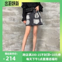 skirt Spring 2021 S (reservation) (within 100kg), m (reservation) (within 110kg), l (reservation) (within 120kg) Cold ash Short skirt street Natural waist 25-29 years old 51% (inclusive) - 70% (inclusive) Mary Tim cotton Europe and America