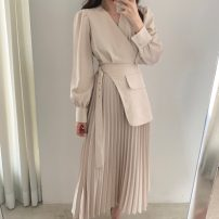 Dress Spring 2021 Apricot, black S,M,L Mid length dress singleton  Long sleeves commute V-neck Solid color Socket Others 18-24 years old Korean version 71% (inclusive) - 80% (inclusive)