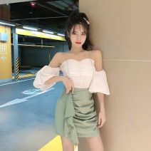 Fashion suit Spring 2021 S. M, l, average size White top, green skirt, black skirt 18-25 years old Other / other J 01.26 31% (inclusive) - 50% (inclusive)