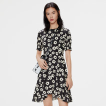 Dress Summer 2021 Printed black grey S M L Middle-skirt singleton  Short sleeve commute Crew neck middle-waisted Broken flowers Socket 25-29 years old iii viviniko Simplicity R120694506D More than 95% other Viscose (viscose) 100% Same model in shopping mall (sold online and offline)
