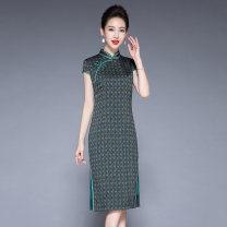 cheongsam Summer 2021 XXL,XXXL,L,XL,4XL,5XL Green, red Short sleeve long cheongsam ethnic style Low slit daily Oblique lapel lattice Over 35 years old Piping silk 91% (inclusive) - 95% (inclusive)