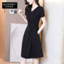 Dress Summer 2021 black S M L XL XXL 3XL longuette singleton  Short sleeve street V-neck middle-waisted Solid color Socket A-line skirt routine 30-34 years old Sugenry / sugenry Pleated pocket zipper 51% (inclusive) - 70% (inclusive) brocade nylon Pure e-commerce (online only) Europe and America