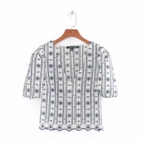 shirt As shown in the figure XS,S,M,L Summer 2020 other 81% (inclusive) - 90% (inclusive) Short sleeve street V-neck 18-24 years old Europe and America