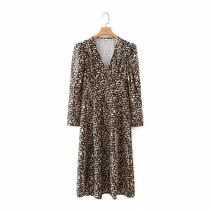 Dress Winter 2020 As shown in the figure S,M,L Mid length dress street V-neck High waist 18-24 years old 81% (inclusive) - 90% (inclusive) Europe and America