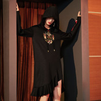 Dress Spring 2020 black S M L XL longuette singleton  Long sleeves commute Hood Loose waist Animal design Socket 25-29 years old Yunsimu thought lady Embroidery and stitching of ruffles Y0119067141 81% (inclusive) - 90% (inclusive) polyester fiber Pure e-commerce (online only)