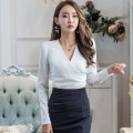 shirt white S M L Winter of 2018 polyester fiber 91% (inclusive) - 95% (inclusive) Long sleeves commute Regular V-neck routine Solid color 25-29 years old Self cultivation Flying all over the sky Korean version M22051202 Polyester 95% polyurethane elastic fiber (spandex) 5%