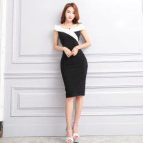 Dress Summer of 2019 black and white S M L Mid length dress singleton  Sleeveless commute One word collar High waist Solid color zipper One pace skirt other Others 30-34 years old Flying all over the sky Korean version Splicing More than 95% other polyester fiber Pure e-commerce (online only)