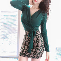 Dress Autumn 2016 Picture color S M L XL Short skirt singleton  Long sleeves commute V-neck High waist Solid color zipper One pace skirt routine Others 30-34 years old Flying all over the sky Korean version Patchwork printing M1900592 More than 95% knitting polyester fiber