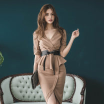 Dress Autumn of 2018 Picture color S M L Mid length dress singleton  three quarter sleeve commute V-neck High waist Solid color zipper One pace skirt routine Others 30-34 years old Flying all over the sky Korean version zipper M686852 More than 95% polyester fiber Pure e-commerce (online only)