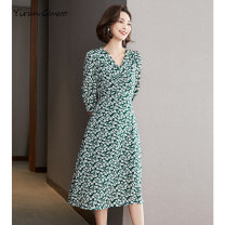 Dress Summer 2021 Grass green printing options S M L XL 2XL 3XL Mid length dress singleton  three quarter sleeve commute V-neck middle-waisted Decor Socket A-line skirt routine Others 35-39 years old Type X Yi Ran is me Ol style Stitched zipper print More than 95% other polyester fiber Polyester 100%