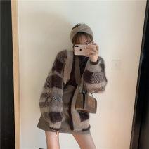 Fashion suit Winter of 2019 S. M, average size Plaid sweater cardigan, coffee skirt, dark coffee base coat