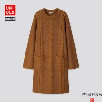 Dress Winter of 2019 150/76A/XS 155/80A/S 160/84A/M 160/88A/L 165/92A/XL 170/100B/XXL Mid length dress 25-29 years old UNIQLO / UNIQLO 51% (inclusive) - 70% (inclusive) acrylic fibres Same model in shopping mall (sold online and offline)