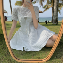 Fashion suit Summer 2021 M, L White top, bow tie dress (Brooch) 18-25 years old Four point two 71% (inclusive) - 80% (inclusive)