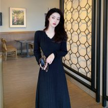 Dress Winter 2020 Average size longuette singleton  Long sleeves commute V-neck High waist Solid color Socket A-line skirt routine Others 18-24 years old Type A Korean version 30% and below other other