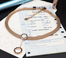 Necklace Titanium steel 51-100 yuan Other / other brand new Sweet female goods in stock yes Fresh out of the oven 21cm (inclusive) - 50cm (inclusive) no Below 10 cm Gold Plated inlaid artificial gem / semi gem Titanium steel other other