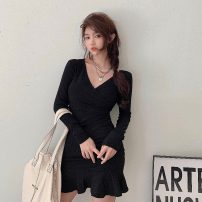 Dress Spring 2021 black Average size Short skirt singleton  Long sleeves commute V-neck High waist Solid color Socket other routine Others 18-24 years old Korean version 31% (inclusive) - 50% (inclusive) knitting polyester fiber
