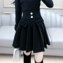 skirt Winter 2020 S M L XL black Short skirt Versatile High waist A-line skirt Solid color Type X 25-29 years old 81% (inclusive) - 90% (inclusive) The fate of July 7 polyester fiber Polyester fiber 90% viscose fiber (viscose fiber) 7% polyurethane elastic fiber (spandex) 3%
