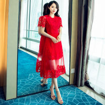 Dress Spring 2021 gules S M L XL 2XL 3XL Mid length dress Fake two pieces Short sleeve commute Crew neck High waist Solid color zipper A-line skirt routine Others 25-29 years old Type A Yixuefang Retro Three dimensional decorative tie dyed yarn mesh zipper lace YXF3103 More than 95% Lace