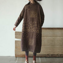 Dress Winter of 2018 Brown, brown (with cotton) Average size Mid length dress singleton  Long sleeves commute stand collar Loose waist Broken flowers Single breasted other routine Others 35-39 years old Type H Know the brush and ink Retro Pocket, asymmetric, worn, button WX L18319 More than 95%