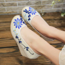 Low top shoes 35,36,37,38,39,40 Round head flax Slope heel Middle heel (3-5cm) Shallow mouth cotton Summer 2021 Trochanter ethnic style Adhesive shoes Youth (18-40 years old), middle age (40-60 years old) Plants and flowers TPR (tendon) Single shoes cloth daily